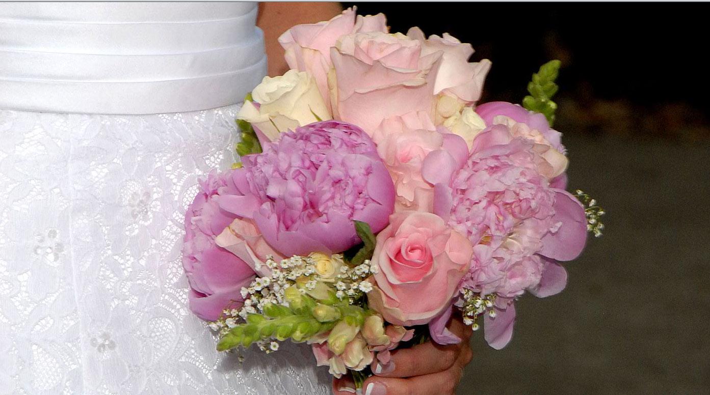 Bouquets & Flowers to Wear - June Florist